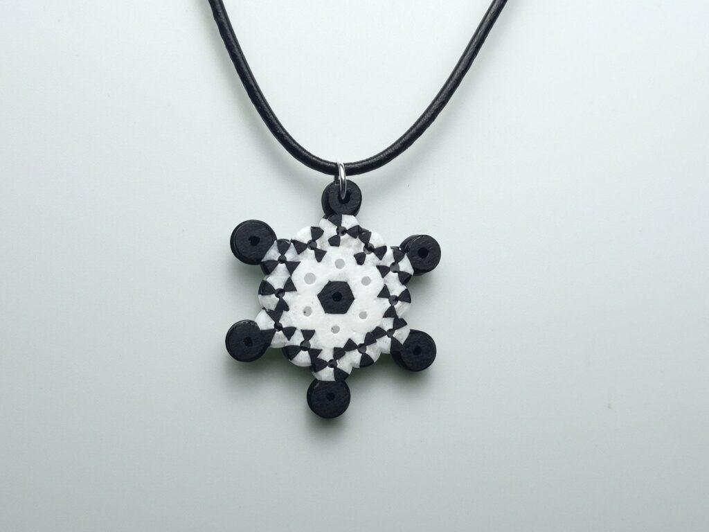 Fekete-fehér Vasalható Gyöngy Nyaklánc